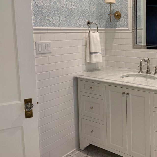 Clean and Classic Bathroom Tile White Marble Subway